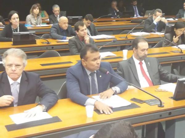 Fabio Abreu luta na Comissão de Transportes pela Ferrovia Transnordestina