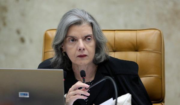Cármen Lúcia diz que sem imprensa livre, Justiça não funciona bem