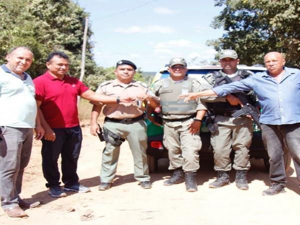Fabio Abreu participou de entrega de nova viatura policial em Nazária PI
