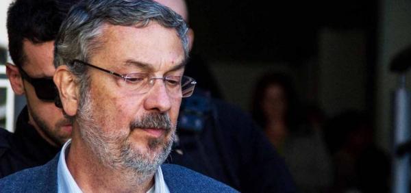 Justiça homologa delação premiada de Palocci
