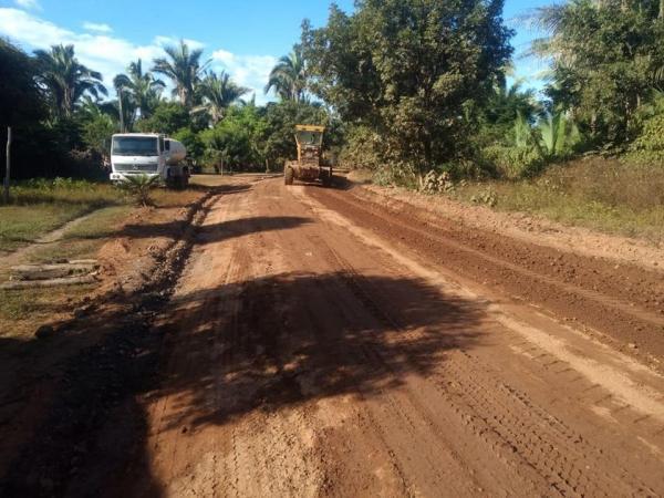 Prefeitura de Barras conclui obra da estrada Três Caminhos a Tabocas