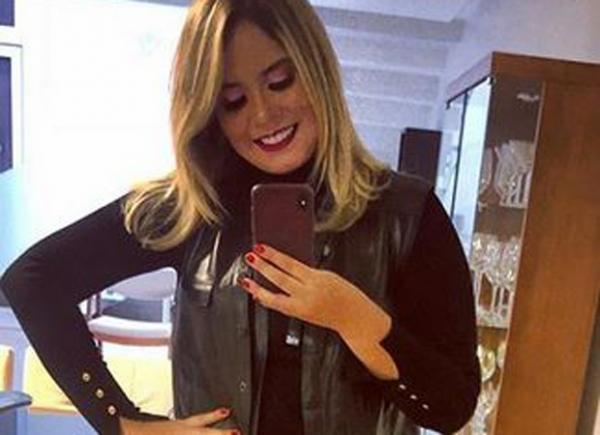 Marília Mendonça aparece 20 kg mais magra e fã dispara: 'parece outra pessoa'