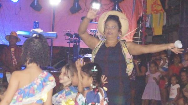 IX edição do Arraiá da Tia Toinha atrai grande público em Barras PI