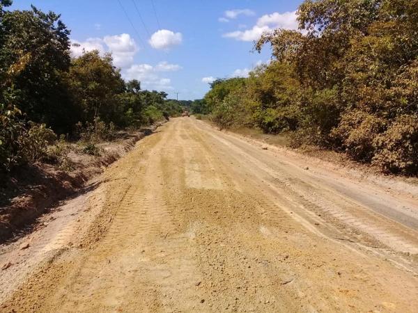 População da zona rural tem estradas vicinais recuperadas pelo governo municipal