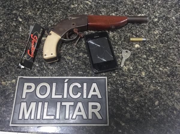Dupla acusada de assaltos é presa pela PM em Barras