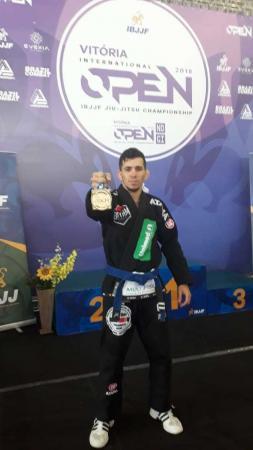 Atleta Unimed Teresina conquista medalhas em torneio internacional de Jiu-jitsu