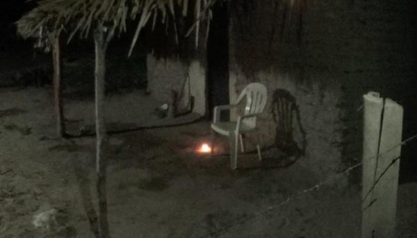 Dois homens morrem após confundirem veneno com bebida na zona rural