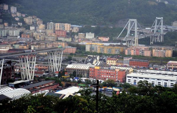 Queda de ponte deixa pelo menos 22 mortos, na Itália