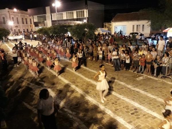 Desfile em Barras PI é comemorado com muita organização e destaque na região Norte do Piauí
