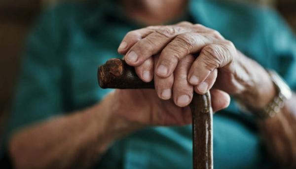 Idosa de 86 anos é espancado pelo neto