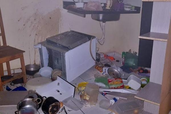 Mulher enfurecida é presa após atear fogo na própria casa no PI