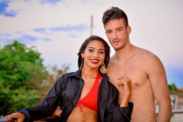 Cantora Barrense grava videoclipe de sua composição