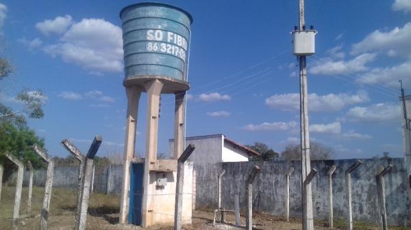 População da zona urbana de Cabeceiras do Piauí sofre com falta de água