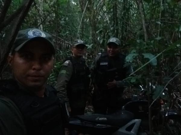 Comando da PMPI em Barras PI recupera motos roubadas na zona rural