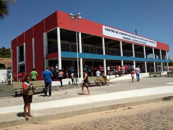 Governo de Barras inaugura o Centro de Comercialização Manoel Valério