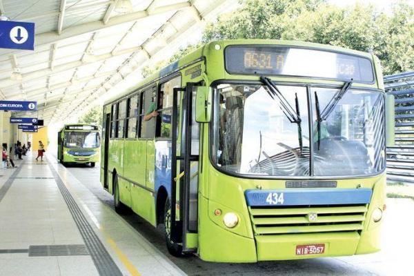 Ônibus paralisam nesta quinta-feira, após sequência de 85 assaltos