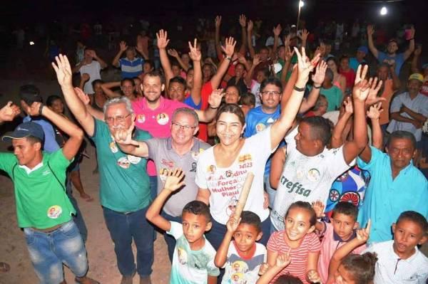 Candidata Janaínna Marques esteve visitando o Projeto Segunda Chance