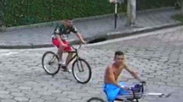 Ladrão que perdeu perna em assalto volta a roubar usando muletas; assista