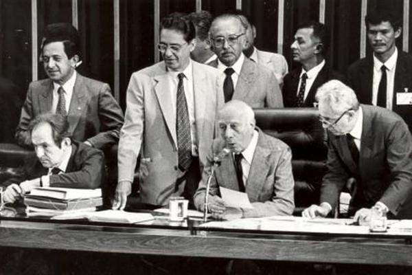30 anos da Constituição: mudar texto exige quórum elevado e negociação