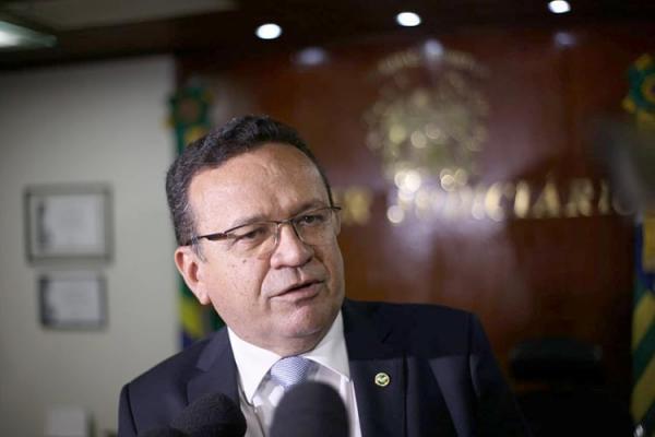 Presidente do TRE-PI critica