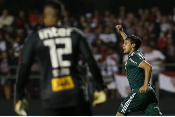 Palmeiras vence São Paulo, se isola na liderança e quebra tabu no Morumbi