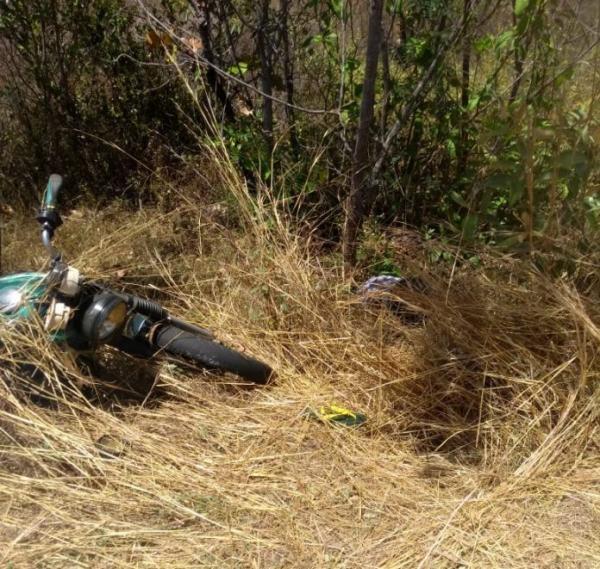 Encontrado corpo de um homem sem vida em trecho da BR 222 entre Barras e Piripiri
