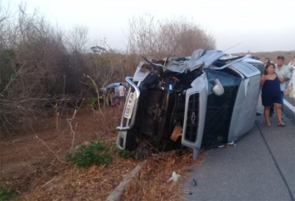 Colisão frontal deixa 5 feridos e um morto na BR-343 em Buriti dos Lopes