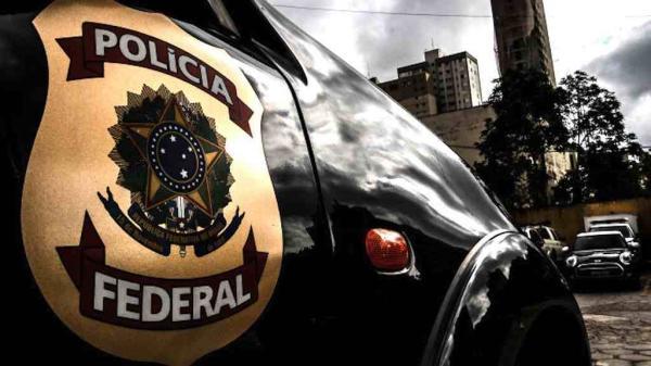 PF faz operação para prender 100 acusados de tráfico no estado do Rio