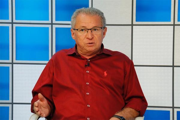 Deputado federal Assis Carvalho