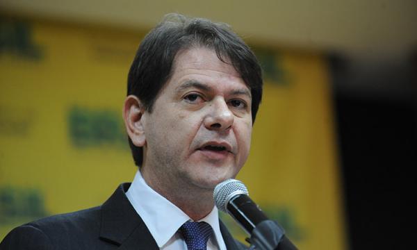 Cid Gomes vai ao TSE para impedir que Bolsonaro use seu discurso na TV