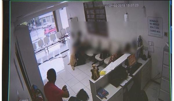 Dupla rende funcionários e faz arrastão dentro de clínica em Piripiri