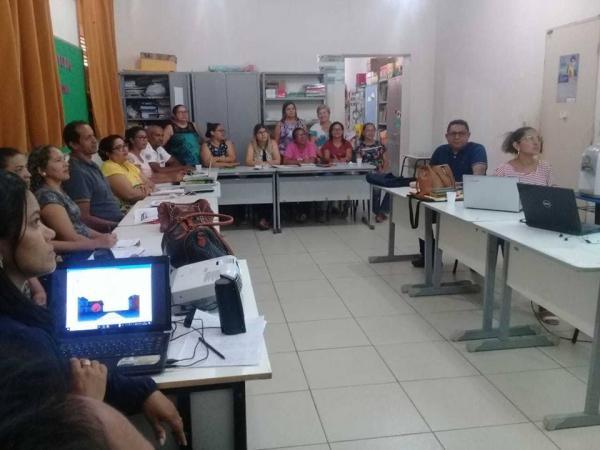 Equipe pedagógica da SEMED de Barras reuniu-se para planejar o dia