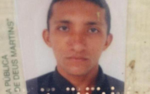 Homem é assassinado com golpe de faca no peito no Piauí