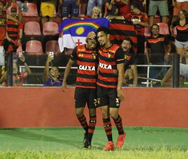 Sport vence o Ceará por 1 a 0, deixa a zona de rebaixamento e rebaixa o Paraná