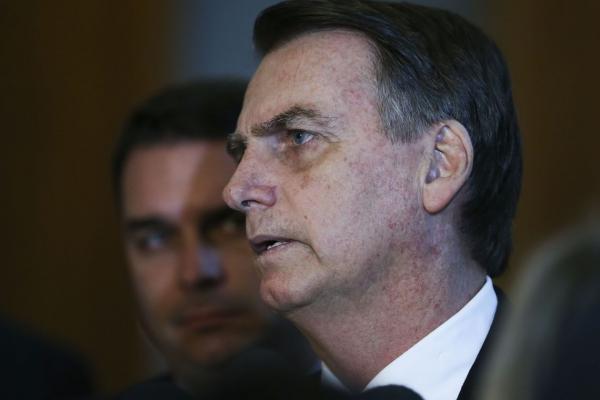 Bolsonaro negocia reforma da Previdência com parlamentares