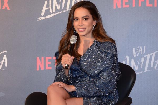 Anitta revela ter pausado trabalho por 'depressão muito forte'