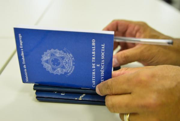 Balcão do Trabalhador oferta vagas de emprego para Teresina; veja lista