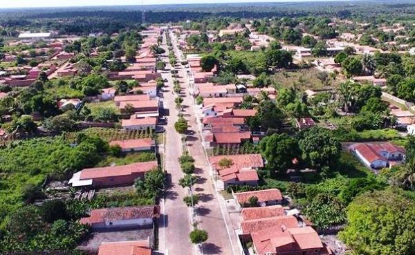 Bandidos invadem residência e tocam o terror em  São João do Arraial