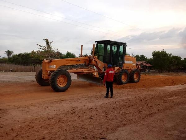 Prefeito Carlos Monte manda fazer nova estrada no Assentamento Segredo