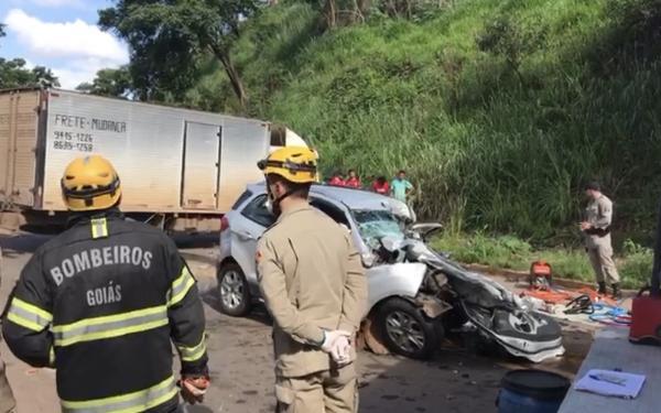 Após sair de velório da irmã, pastor, mulher e sobrinha morrem em acidente, em GO
