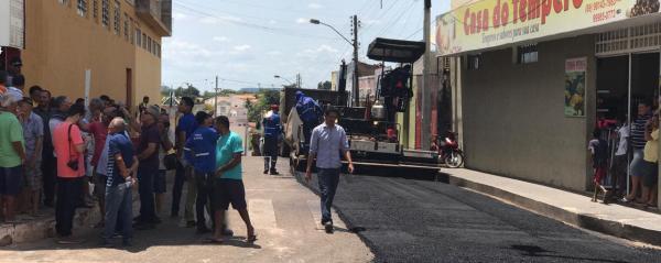 Codevasf faz calçamento em cidade do Piauí