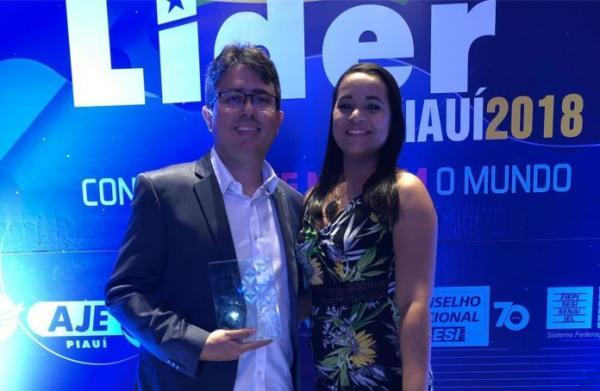 Publicitário Samuel Monte recebe comenda concedida pela Associação de Jovens Empresários