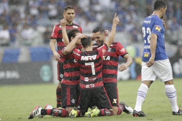 Flamengo vice campeão 2018 ao vencer o Cruzeiro por 2 a 0 no mineirão