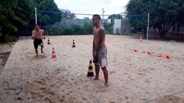 De férias no Piauí, Rômulo e Renê, jogadores do Flamengo-RJ, também treinam