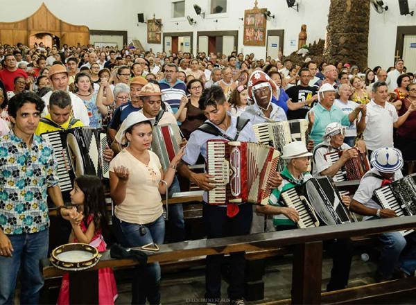 Dia nacional do forró: missa homenageia Luiz Gonzaga em Teresina