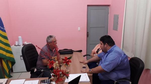 O prefeito de Barras se reúne com Agespisa e empresa para tratar sobre transtornos da obra de esgoto