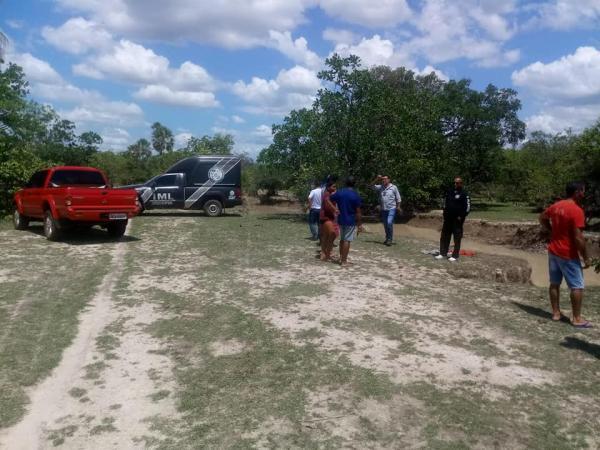 Corpo de mulher encontrado boiando em riacho na zona rural de Cabeceiras do PI