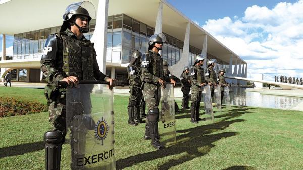 Bolsonaro vai usar colete a prova de balas