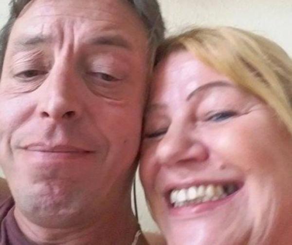 Mulher esfaqueia o marido após ele demorar demais fazendo compras
