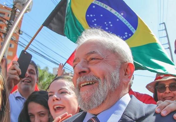 Em carta, Lula diz que PT e militâncias sociais continuarão a lutar